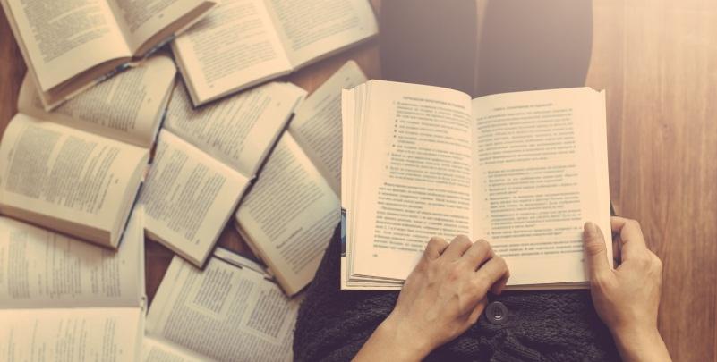 14 stadi che portano alla dipendenza dalla lettura