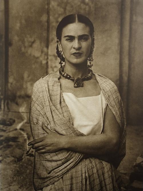 7.frida_kahlo,_by_guillermo_kahlo_3