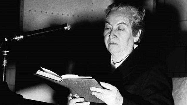 Gabriela Mistral è stata una delle voci più alte della poesia Ispano-Americana moderna e della poesia femminile del Novecento in generale...
