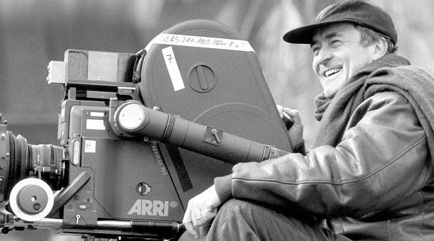 """Buon compleanno – 16 marzo. Tanti auguri a Bernardo Bertolucci, il regista di """"Novecento"""" e """"L'ultimo imperatore"""""""