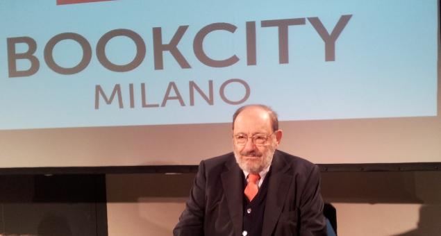 Umberto eco 39 39 con bookcity milano si trasforma in un for Book city milano