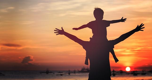 Top Festa del Papà, le poesie più belle da dedicare al proprio padre RK14
