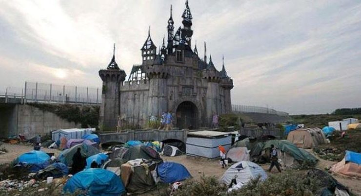Dismaland di Banksy ospiterà migranti di Calais