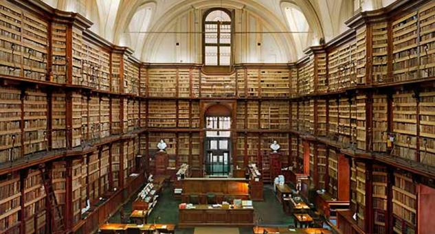 """""""Anche le biblioteche sono servizi pubblici essenziali"""". Lettera aperta dei bibliotecari a Franceschini"""