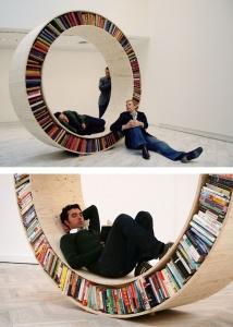 Una ruota di libri