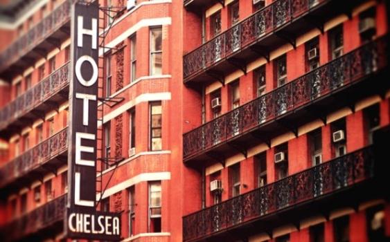 Chelsea Hotel, lo storico albergo di New York che racconta decenni di cultura americana