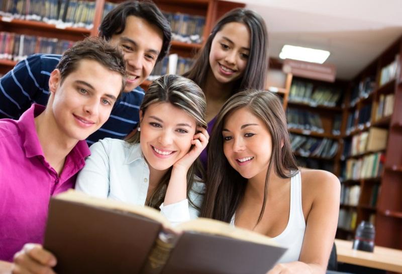 Chi legge libri è più felice rispetto agli altri