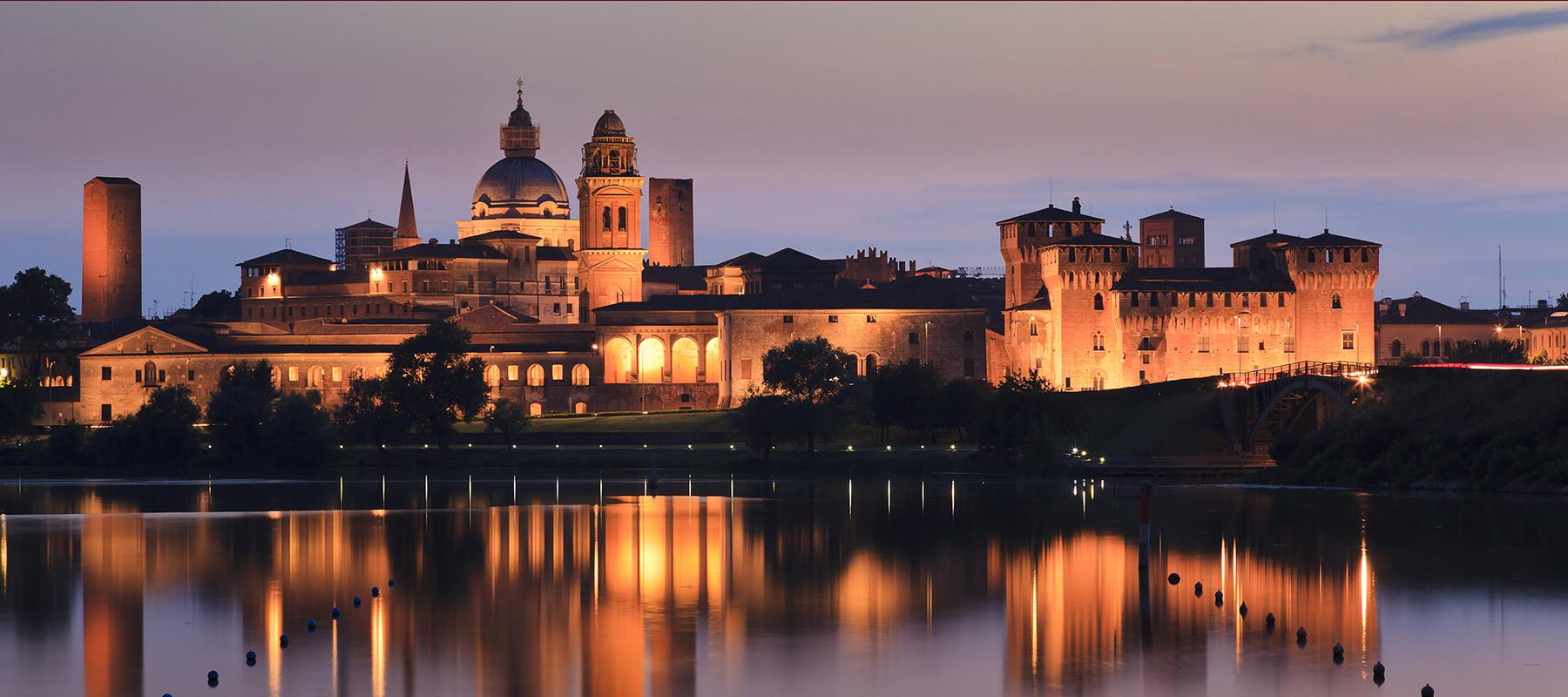 Mantova Mantua by night