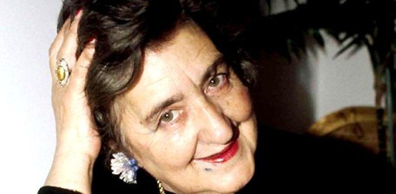 """Nella giornata del ricordo di Alda Merini vi proponiamo """"Lettere"""", una delle sue poesie d'amore più belle"""