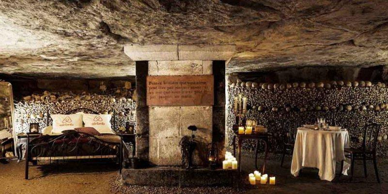 La notte di Halloween? Nelle catacombe di Parigi