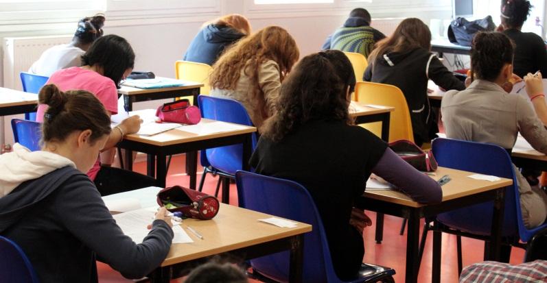 Pochi laureati assunti in Italia? Titoli di studio non coincidono con acquisizione valide competenze
