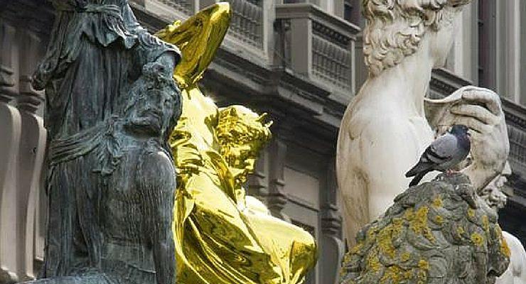 "Koons, l'opera ""Pluto and Proserpina"" lascia Firenze."