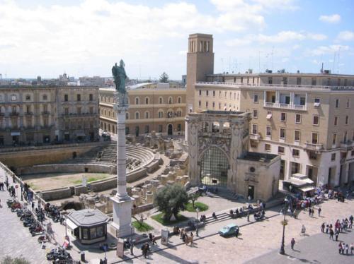 piazza-santoronzo-lecce-notti-verdi