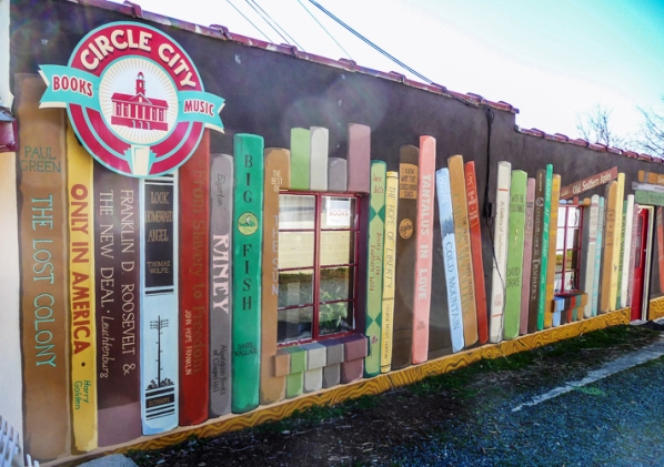 1 david-drake-circle-city-bookstore-mural
