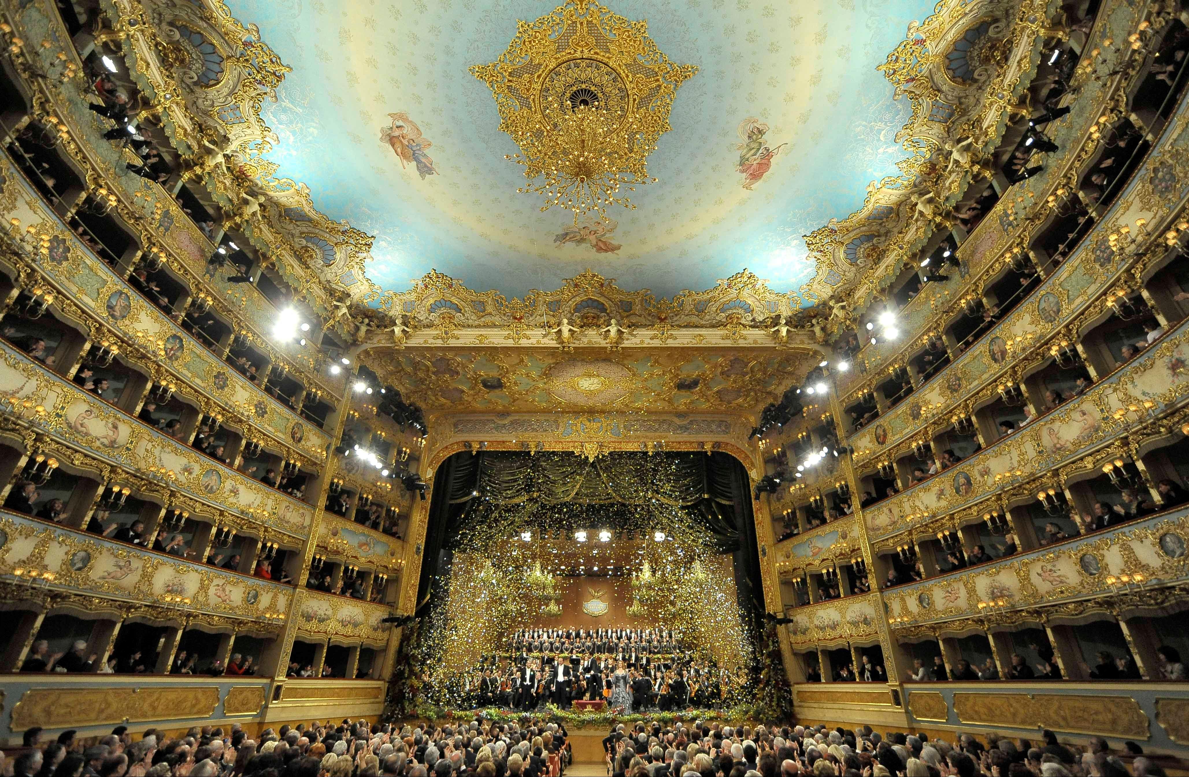 2418zm 570201 Concerto capodanno Teatro La Fenice 2012