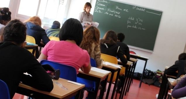 """Scuola, Renzi """"Concorso per 63mila insegnanti, investiamo sull'istruzione"""""""