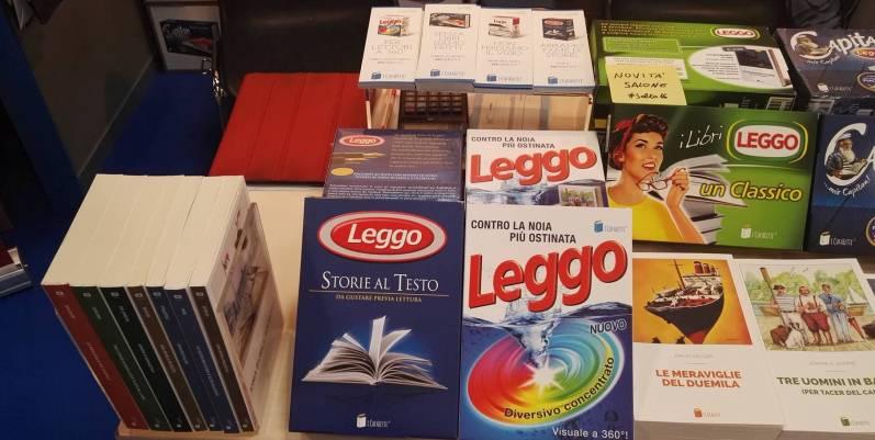 """""""Cofaletti"""", i packaging letterari che giocano con i simboli del consumo di massa"""