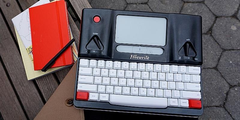 Arriva la Freewrite, la prima macchina per scrivere digitale