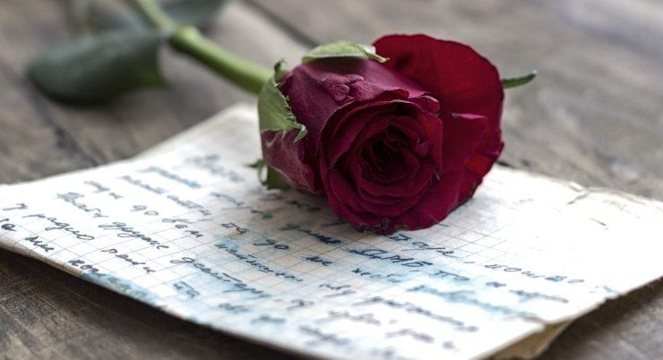 San Valentino, le 10 poesie più belle da dedicare a chi si ama