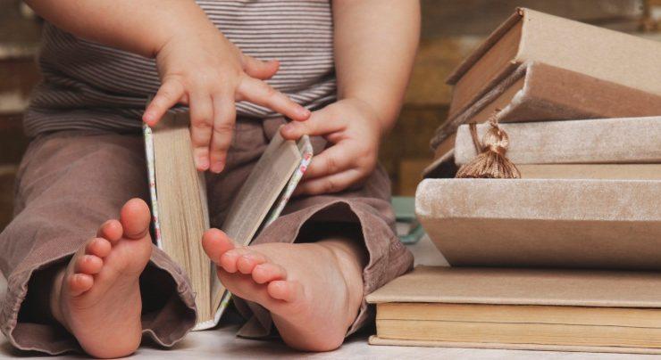 5 idee per trasmettere ai figli l'amore per i libri