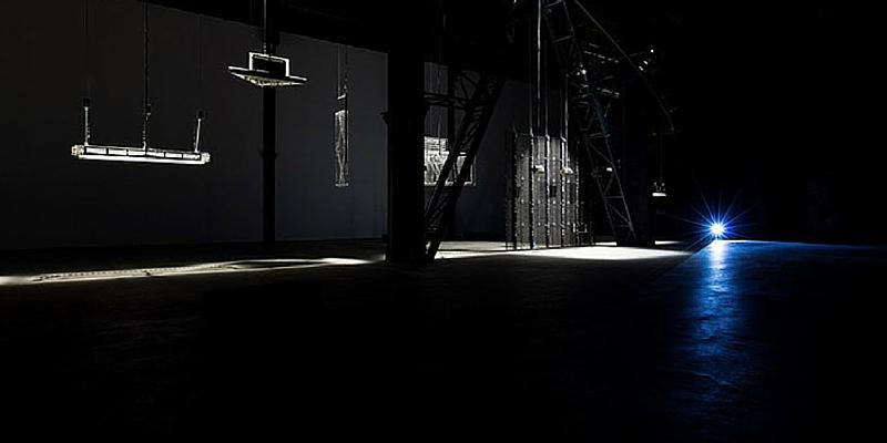 """L'Hangar Bicocca presenta la proiezione del film """"Walkaround Time""""."""