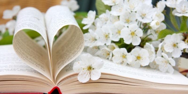 Primavera significa primo sole e primo caldo, fiori che sbocciano nei prati e sugli alberi, giornate che si allungano. Vi proponiamo una serie di aforismi e frasi a tema