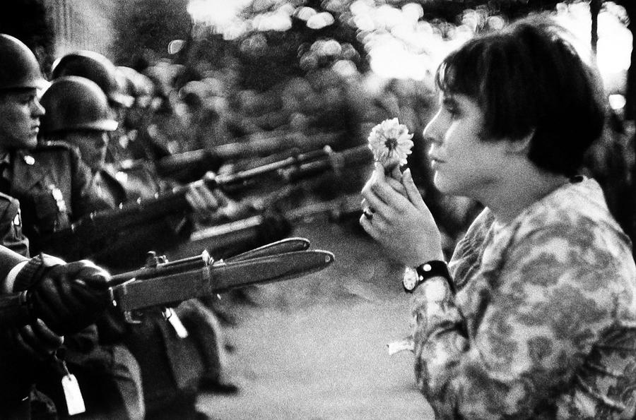 CONTRO LA GUERRA IN VIETNAM