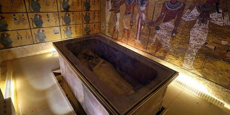 Egitto, scoperte due stanze segrete nella tomba di Tutankhamon