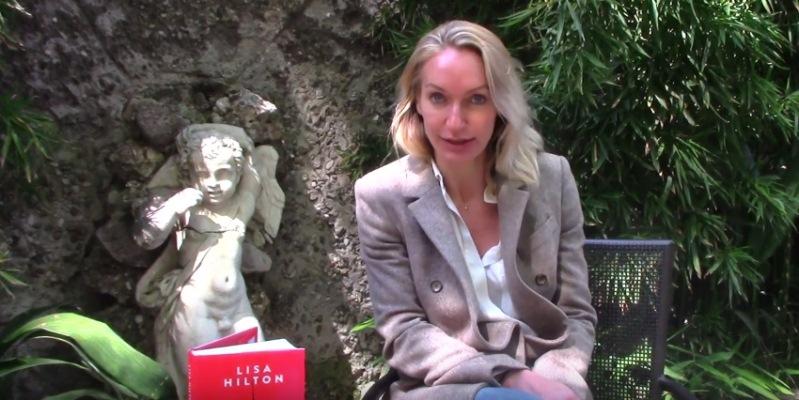 """Lisa Hilton, """"Il mio libro Maestra è un invito ad evadere dalla realtà"""""""