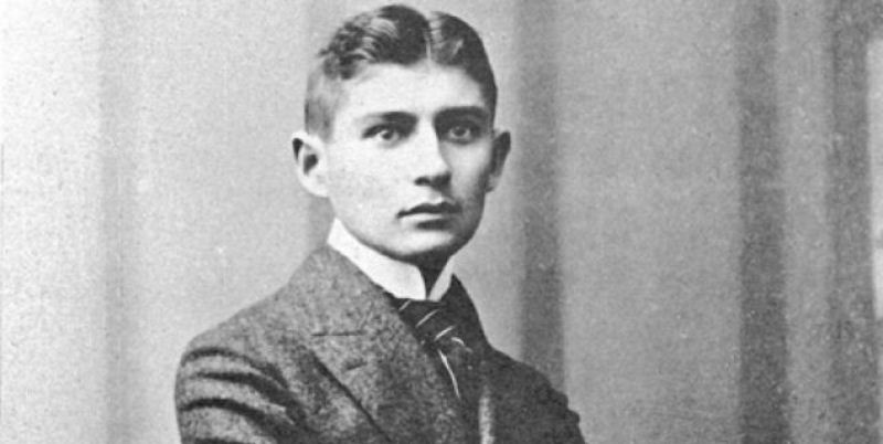 Franz Kafka, ritrovato il curriculum dello scrittore in un archivio di Trieste