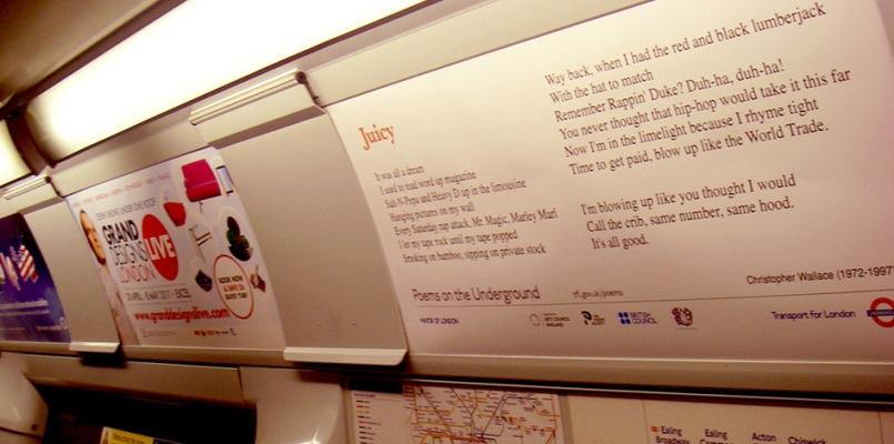 Londra, poesie e versi invadono i treni della metropolitana