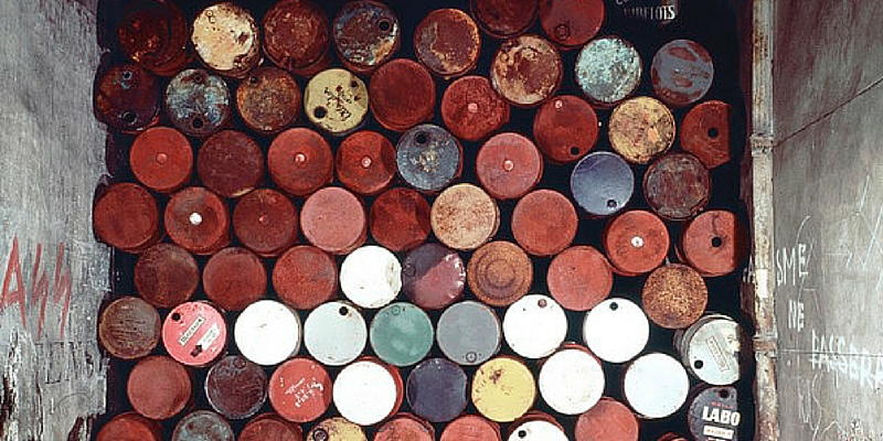 © Christo 1962 / Ph Jean-Dominique Lajoux | Christo and Jeanne-Claude Wall of Oil Barrels
