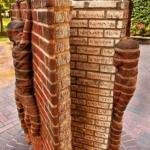 Le statue letterarie più curiose al mondo | Libro di mattoni, Charlotte