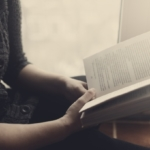 7 segnali per capire se sei ossessionato dal libro che stai leggendo