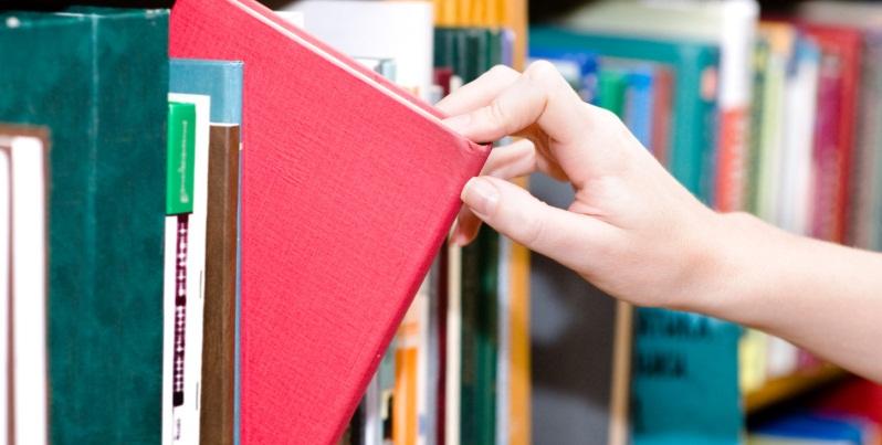 Come un amante della lettura sceglie oggi il prossimo libro da leggere?