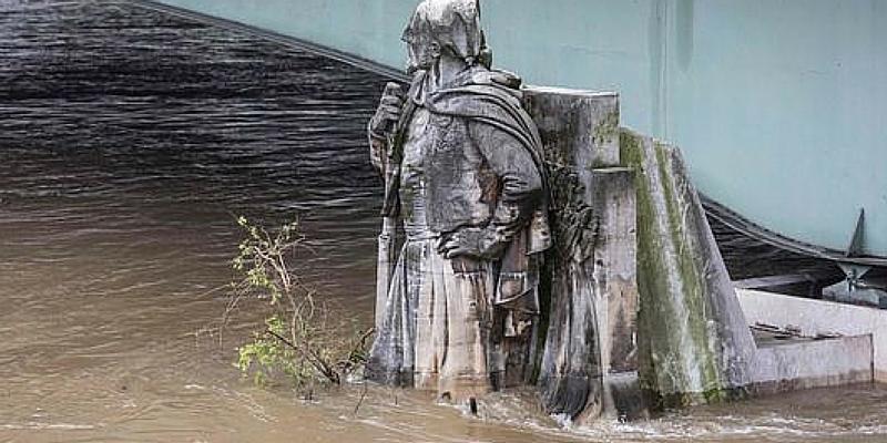 "Il ""Zuavo"", nei pressi del Pont de l'Alma a Parigi, 2 giugno GEOFFROY HASSELT VAN DER / AFP"