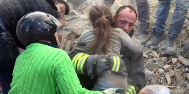 Giorgia e Giulia, la storia delle bambine salvate dal terremoto che ha commosso il mondo