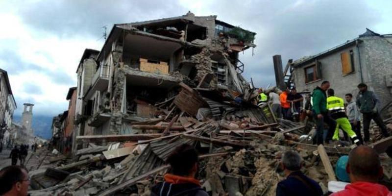 Terremoto tra Lazio e Marche, almeno 14 morti, oltre 100 dispersi