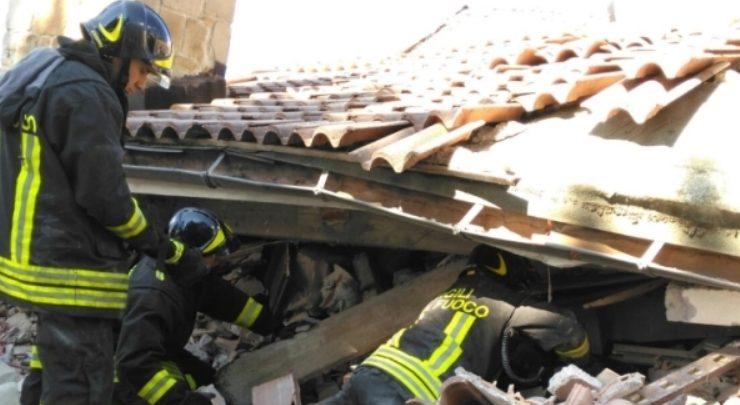 """Terremoto, anziana chiama i Vigili del fuoco, """"Bravi. Vi darei i miei tortellini"""""""