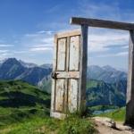 Le porte artistiche più belle al mondo | Alpi Tedesche - Image credits: Dominic Walter