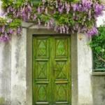 Le porte artistiche più belle al mondo | Germagno, Piemonte, Italia - Image credits: Wozz