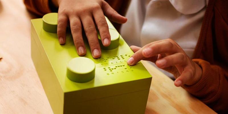 Braille Bricks, in Brasile i bambini non vedenti imparano a leggere grazie ai mattoncini Lego