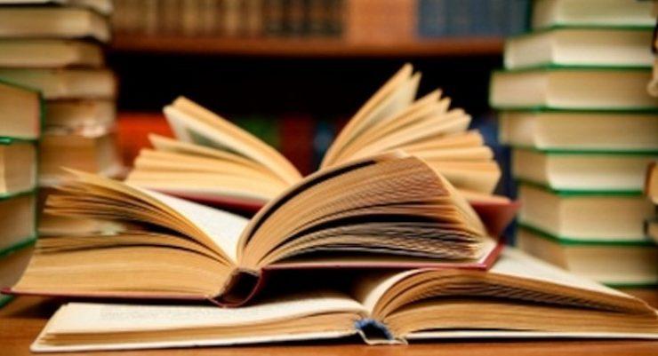 """""""Leggiamo davvero i libri di cui parliamo"""", la Giuria dei Letterati Campiello risponde a Stefano Zecchi"""