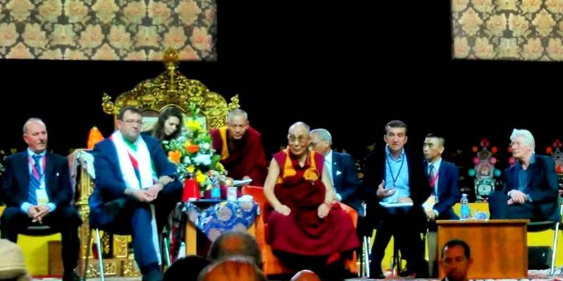 """""""La mia religione è la gentilezza"""", le parole del Dalai Lama in visita a Milano"""