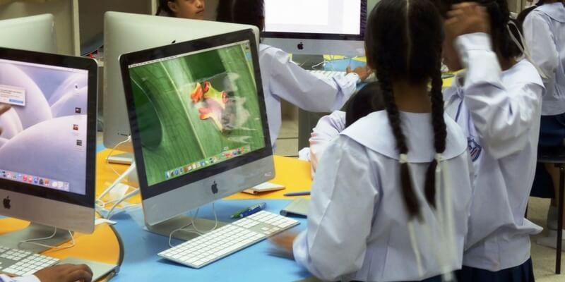 Scuola, la lingua viva è ora quella del computer