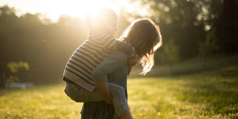 10 frasi tratte dai libri da dedicare alla propria famiglia