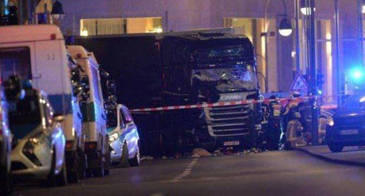 Berlino, attentato al mercatino di Natale. Arriva a 12 il numero dei morti