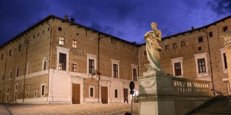 """L'arte per i terremotati, la """"Venere di Urbino"""" esposta fino a Natale"""