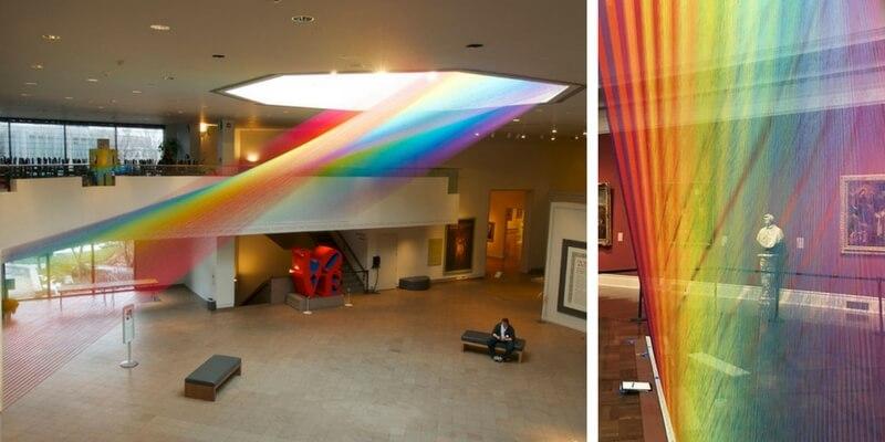 Gabriel Dawe, l'artista che riproduce l'arcobaleno in una stanza