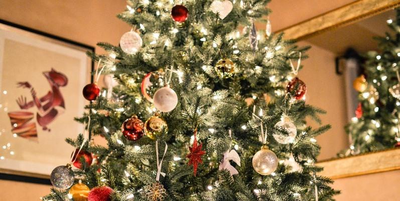 Decorazioni per l'albero di Natale e per il cuore